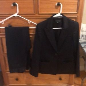 Anne Klein size 6 Pantsuit